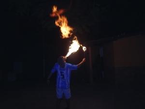 /Têm momentos que é fogo de aguentar!