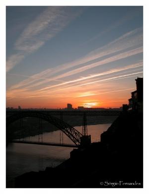 Gentes e Locais/Olhando a ponte...