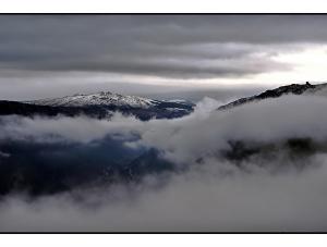 """/""""Para além do nevoeiro..."""""""