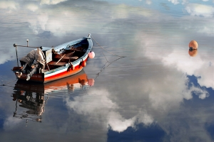 /Boat of the clouds lake