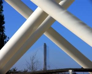 Paisagem Urbana/Entre a Torre e a Ponte