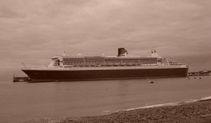 /Queen Mary 2