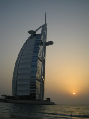 /Pôr do sol ao lado do Burj Al Arab