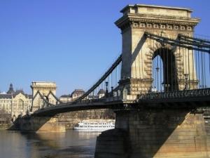 /Chain Bridge - Budapest