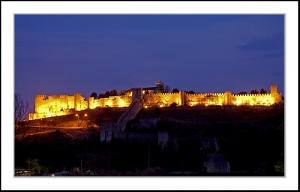 Gentes e Locais/Castelo Montemor-o-Velho à noite