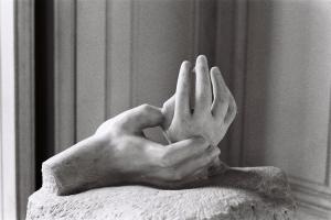 Outros/As mãos de Rodan (Paris)