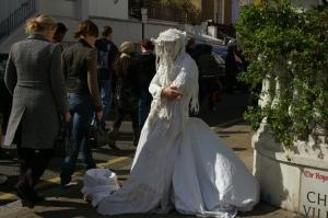 Gentes e Locais/Bride Waiting