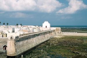 Outros/Fortaleza portuguesa...