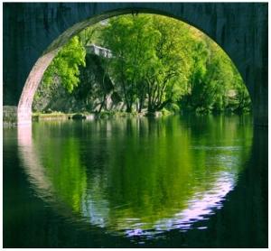 /Reflexos de uma ponte
