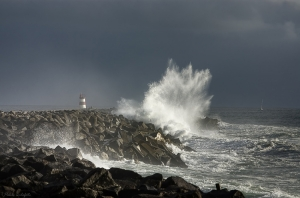 /A força do mar é pequena ...
