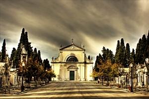 Gentes e Locais/A entrada do Cemitério dos Prazeres