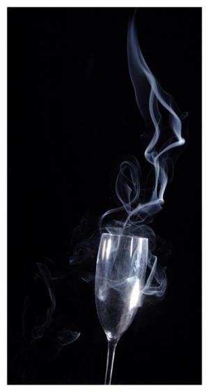 Abstrato/E sai um flute de fumo
