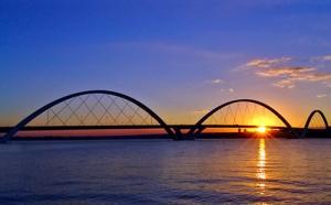 Paisagem Urbana/Crepúsculo na Ponte JK