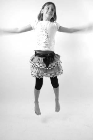 Abstrato/Menina começando a voar