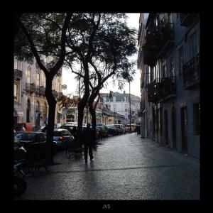 Paisagem Urbana/O Sol a passear na Rua a caminho de Casa