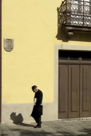 Gentes e Locais/... um senhor e sua sombra ...