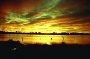 /Amanhecer na lagoa