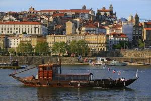 Gentes e Locais/Cenários do Douro