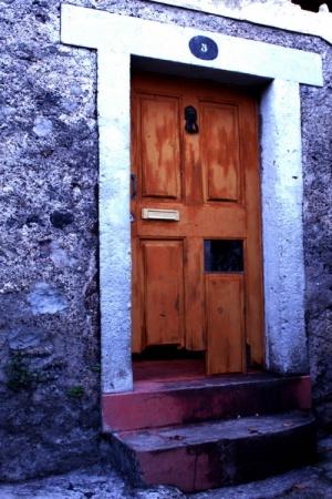 Outros/The door