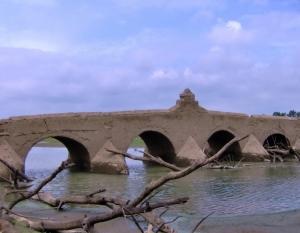 Outros/A ponte romana