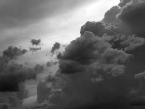 Outros/Nuvens negras