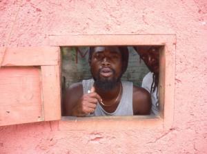 Gentes e Locais/Vendedores de Haxixe no museu Bob Marley em Nine M