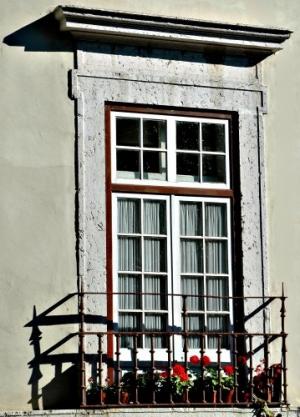 /... janela-varanda de Lisboa...