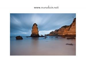 Paisagem Natural/Num mar de rochas