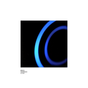 /38 // concentric blue light rings