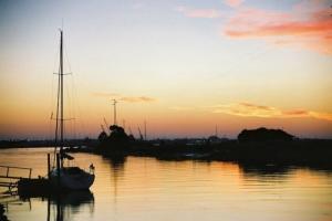 /Quiet Sunset