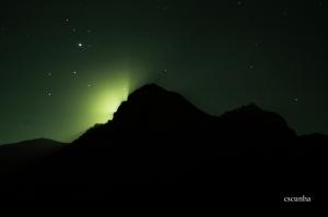 Outros/A lua por de trás do Gran Sasso d'Itália (Abruzzo)