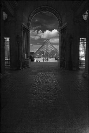 /Portas do Louvre...