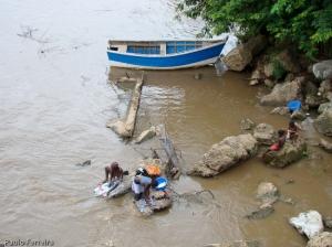 Gentes e Locais/povo que ainda lavas no rio