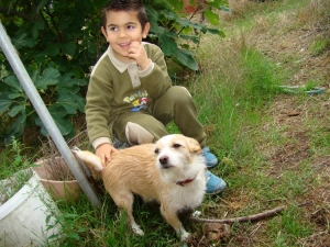 Retratos/The child and the dog