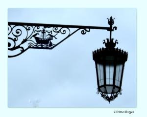 Outros/Um pormenor da iluminação pública de Lisboa