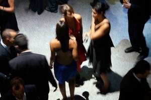 Gentes e Locais/dress code.