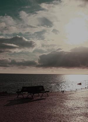 Gentes e Locais/The lonely bench