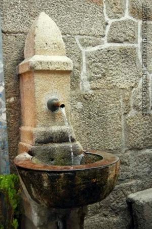 Gentes e Locais/a bica d'água