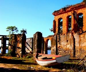 Gentes e Locais/Ruínas do Trapiche - Marataízes