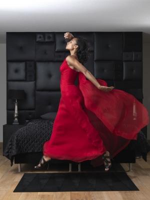 Moda/Ebony Mcgiver