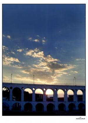 Outros/Arcos azulados