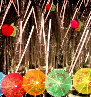 Abstrato/Copos, canudos e guarda-chuvas!