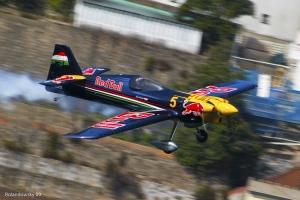 Desporto e Ação/Peter Besenyei-Red Bull Air Race Porto