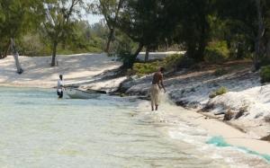Gentes e Locais/Praia do(de) Bilene - Moçambique