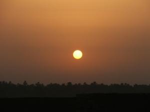 Paisagem Natural/Pôr do Sol em Komombo