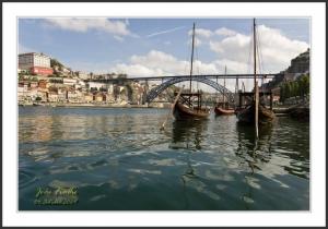 Paisagem Urbana/Barcos Rabelos no Cais de Gaia