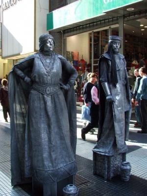 Outros/Estatuas vivientes...