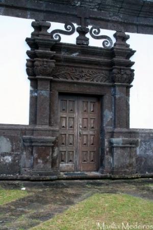 Paisagem Urbana/Porta lateral da Igreja de Calheta - São Jorge