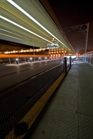 /___a velocidade da luz na D. Luis___