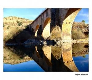 /Ponte sobre o Rio Sabor